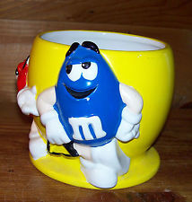M & M cotntainer