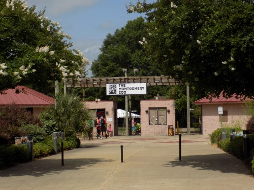 The Montgomery Zoo entrance